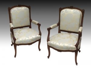 3992 pair of chairs