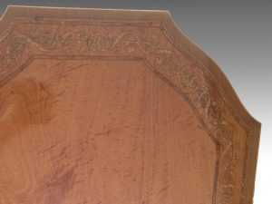 top inlaid border
