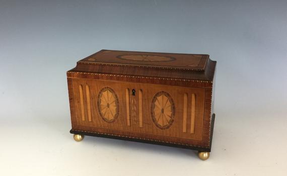 Antique George III Fiddleback Maple Kingwood & Medallion Inlaid Tea Caddy
