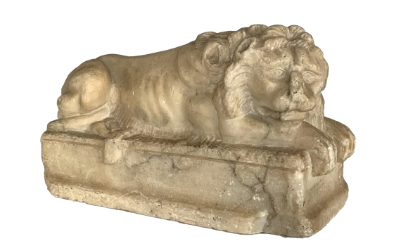 Italian 19th Century Carved Marble Lion after Canova